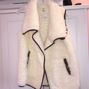 Jackets & Blazers - Sherpa vest
